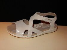 MEPHISTO CINDY Womens Shimmery Silver /off White Leather flats sandals 7 /37 NEW