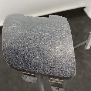 2001-2004 Volvo S60 09190077 Rear Bumper Tow Hook Cover Cap Plug