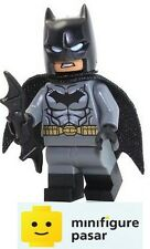 sh204 Lego DC Super Heroes 76035 - Batman Black Boots Minifigure w Batarang New
