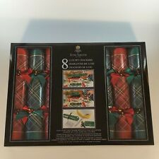 """Tom Smith 12"""" Red & Green Luxury Holiday Crackers 8 Count"""