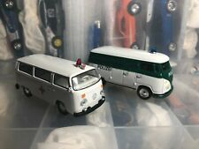 Johnny Lightning Polizei Volkswagen Transporter + GreenLight Bus Ambulance VW