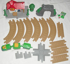 Fisher-Price GeoTrax Conductor's Crossing Push Train & Track Set, depot & tunnel