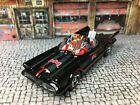 Hot Wheels Batmobile 1966 1/64 Scale Batman & Robin Corgi figures