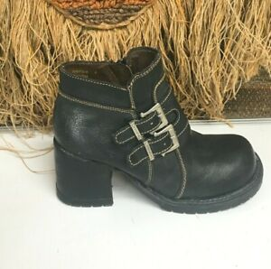 Zodiac Womens Victim Black Leather Ankle Chunky Heel  Boot Size 8
