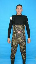FISHING  WADERS WITH ATTACHED BOOTS  NEW 7 MM  XL