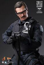 Hot Toys MMS182 Lt. Jim Gordon S.W.A.T. Suit Version - The Dark Knight