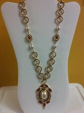 """Vintage 1980's DE LIGUORO Gold Tone Faux Pearls & Pendant 33.5"""" - Made in Italy"""