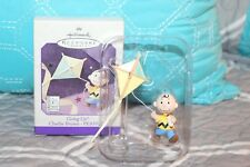 Hallmark Ornament - Peanuts Going Up Charlie Brown Flying a Kite Sf15