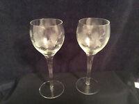 """Set of 2 Vintage Crystal Clear Glass Etched Floral Stemmed Wine Glasses 7-1/2"""""""