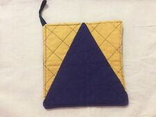 Quilted Pot Holder - football colours - West Coast Eagles