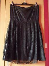Kanten zwarte strapless gevoerde  jurk van Vero Moda Maat 38