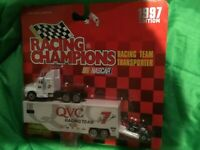 1997 Racing Champions Racing Team Transporter QVC Tractor, Trailer/micromach car