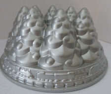 Nordic Ware Tree Cake Pan Mold Train Christmas Holiday 10 Cup Cast Aluminum Gift