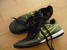 Frühjahr Sommer Nike Turnschuhe Sneaker Gr.32 oliv Fußballschuhe