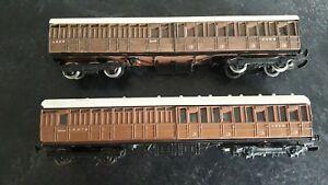 OO Gauge 4mm Kit Built LNER Coaches x 2 Peco/Ratio/Parkside