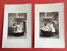 2 CPA. 1910. Petites Filles faisant la Lessive. Sœurs. Baquet. Linge.