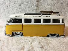 Jada 1962 Volkswagen Bus 1/24 Scale