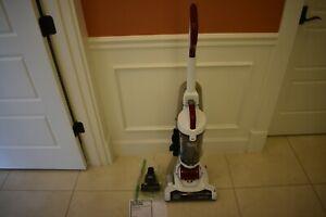 BLACK+DECKER Airswivel Ultra Lightweight Upright Vacuum Cleaner BDASP103