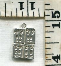 VINTAGE STERLING BRACELET CHARM~#84363~FOOTPRINTS OF THE STARS~GRAUMANS THEATRE