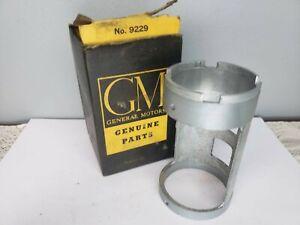 1937-54 OLDSMOBILE PONTIAC NOS GM STEERING GEAR WORM ADJUSTING SLEEVE 263303