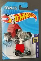 2020 Hot Wheels SNOOPY 14/250 HW SCREEN TIME 9/10 PEANUTS - BOX SHIP FREE