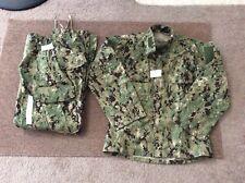 US Navy Nwu Type iii AOR2 Green Digital Set Blouse Small Short Trousers SR New