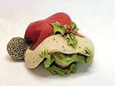 Harmony Kingdom Artst Neil Eyre Eyredesigns Santa Hat tree frog Frogs holly ivy