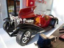 Voitures, camions et fourgons miniatures rouge pour Bugatti