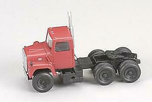 Atlas 1226 HO 1984 Ford® Tractor Cabs 9000 LNT (Red)