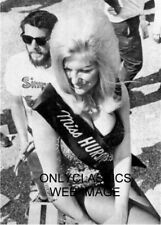 TROPHY GIRL LINDA VAUGHN MISS HURST SHIFTER AUTO RACING PHOTO PINUP CHEESECAKE