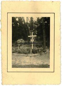 Orig. Foto Grab Soldaten zwischen RADOM und KIELCE Polen 1939