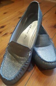 AK Anne Klein Woman Shoes Casual Grey iFlex Sz 7.5 M