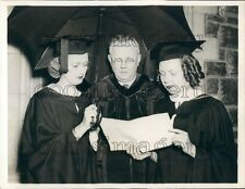 1937 Beaver College Pres Walter Greenway Awards Diplomas Umbrella Press Photo