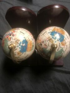 "7"" Tall pair of White Petal Ocean wood base Gemstone Globe Bookends Used"