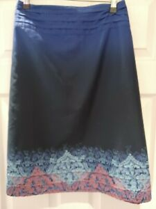 FAT FACE BEAUTIFUL LADIES KNEE LENGTH BLUE PATTERNED SKIRT SIZE 16 VGC