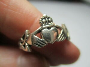 STERLING SILVER ESTATE LUCKY IRISH CLADDAGH TRIQUETRA HEART HANDS RING SIZE 7.75