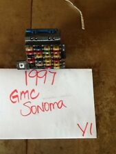 96 97 98 CHEVY S10 BLAZER JIMMY SONOMA Interior DASH FUSE BOX