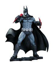 ESL3337. ARKHAM CITY: THE BATMAN STATUE by DC Collectibles (2013)