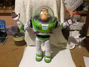 """TALKING BUZZ LIGHTYEAR ACTION FIGURE/TOY (TOY STORY) - 12"""" TALL (DISNEY STORE)"""