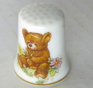 Teddy Bear Porcelain Thimble vintage 1979 Made in Japan imperfect
