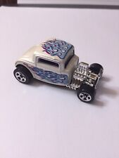 1997 HOT WHEELS 1932 32 FORD WHITE WITH FLAMES EXCLUSIVE COOL CUSTOM LOOK! HTF