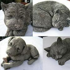 Gartendeko Figur Hund oder Katze aus Steinguss Tier Skulptur Betonguss