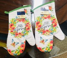 Home Collection Kitchen Oven Mitts Mittens Here Comes Spring. Lot of 2. A+Seller