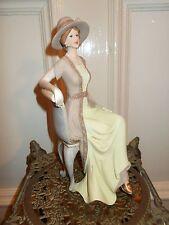 Victoriana Lady estatuilla estatua Vintage en la silla Elegante figura