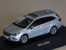 Opel Astra K Sports Tourer 2016 hellblau met. 1:43 iScale 10920 neu &  OVP