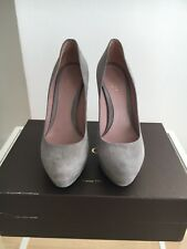 Gucci Grey Suede Heels In Size 4 (37) - In Good Condition