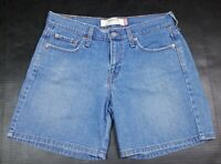 Levi's Women's 515 Mid Rise Denim Blue Jean Mom Shorts Size 6 Stretch