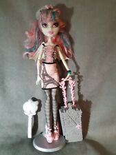 "MONSTER HIGH. Muñeca ROCHELLE GOYLE serie ""SCARIS, CITY OF FRIGHTS"" completa!!"