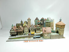 "An145-5# h0 DIORAMA ""città/reticolare/Castello"" - Vollmer, Kibri, Faller, RMM, Preiser ecc."