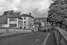 PHOTO  OXFORDSHIRE  HENLEY-ON-THAMES ACROSS BRIDGE OVER RIVER THAMES ON A423 195